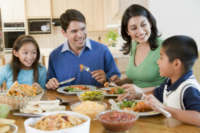 Family Cooking: 5 Ways to Make Dinner Time, Family Time