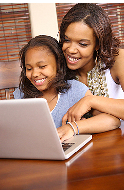 Mom-Daughter-computer
