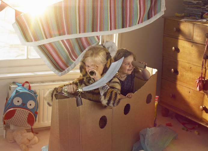 How Imaginative Play Aids in Early Development