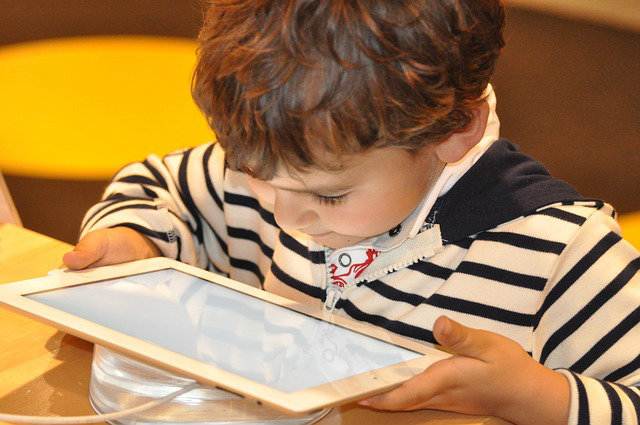 How Unplugging from Technology Benefits Children